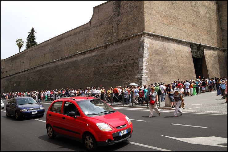 vatican-city-queue
