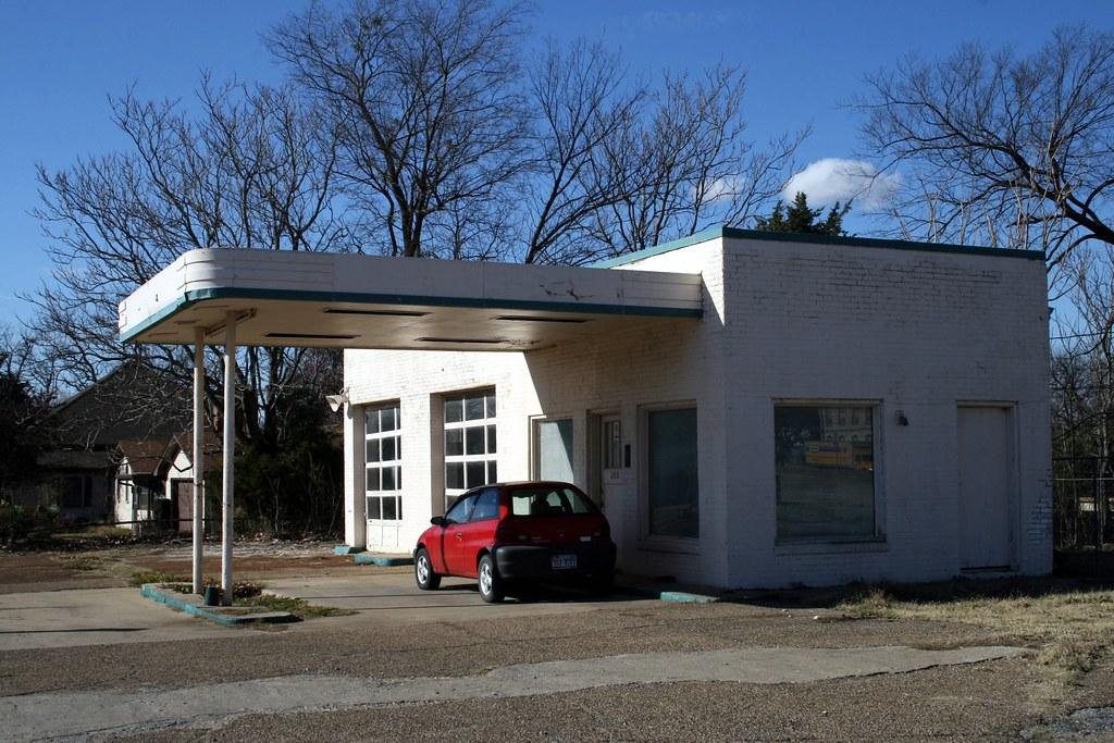 former service station in bonham