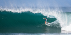 Tube IV (Patrick Cadieux) Tags: hawaii waves oahu north tube pipe surfing shore masters pipeline 2010 banzaipipeline