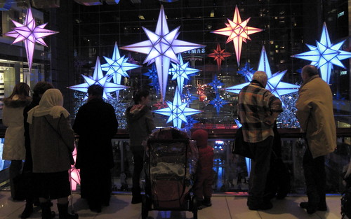 101229-003-Spectators-watch-the-Time-Warner-Center-Holiday-Lights