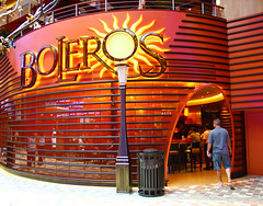 Allure of the Seas - Boleros - Royal Promenade