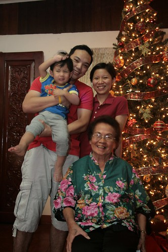 Christmas with Lola Deling