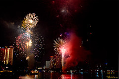 13 Fireworks (Ursula in Aus (Away)) Tags: bridge light night river dark thailand fireworks bangkok chaophraya rivercruise  ramaviii      earthasia totallythailand