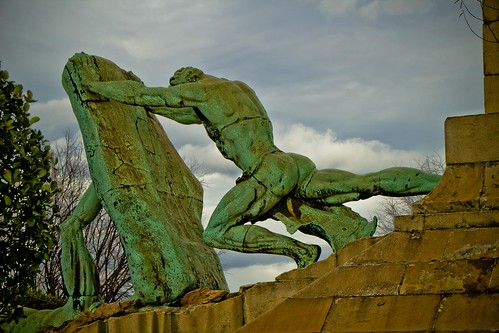 Monumento a Evaristo Churruca en Getxo