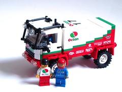Octan Dakar race truck (1)
