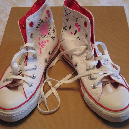Hello Kitty Chucks