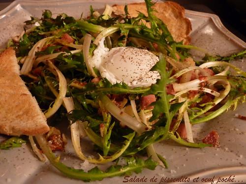 salade de pissenlits et oeuf poché