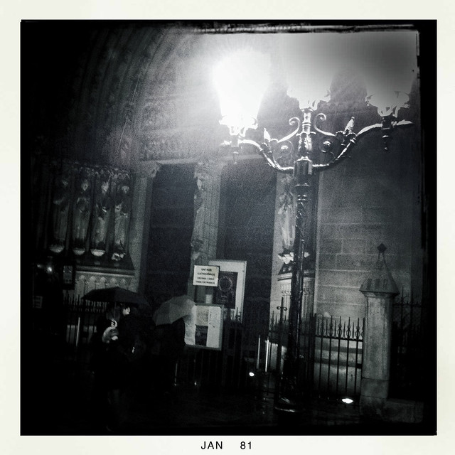 Paris streetlight -1