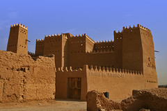 Old Palace- Explore Front Page (TARIQ-M) Tags: heritage architecture desert palace riyadh saudiarabia app canonefs1855    canon400d  olddirriyah tariqm  tariqalmutlaq kingofdesert