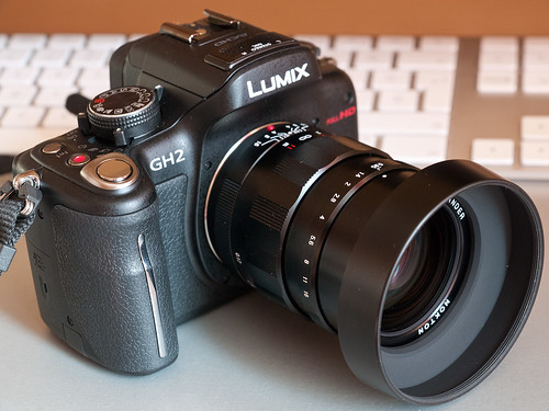 Panasonic LUMIX DMC-GH2 with Voigtlander Nokton 25mm f0.95