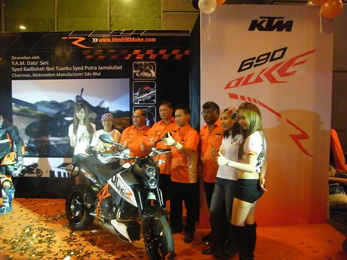 Ktm Duke 690 Black. The Duke 690 retails at RM44