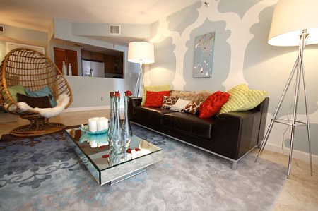 David Bromstad, Living Room