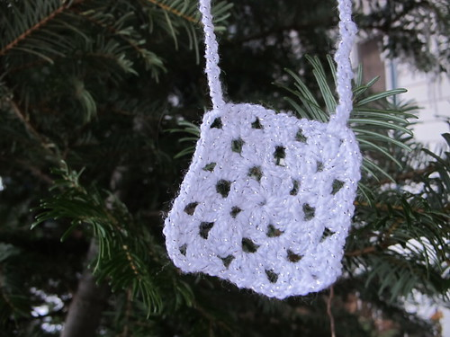 Snowy & Sparkly granny square necklace