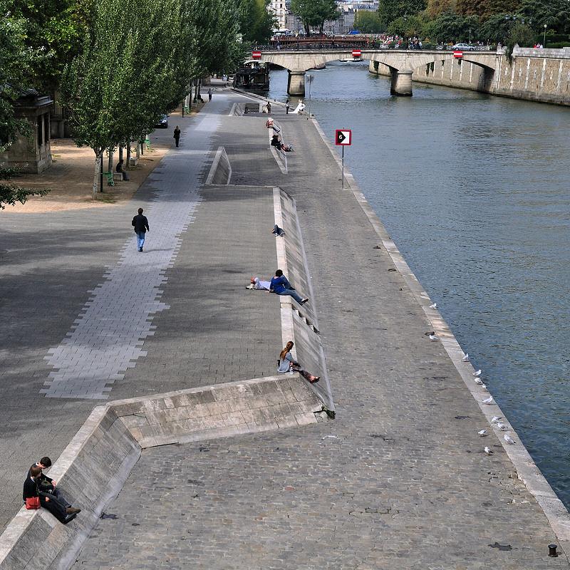 Hommes et femmes aujourd'hui disparus à jamais - Paris (4819r)