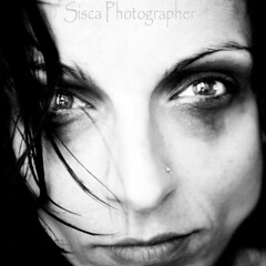 Game Over (Siscafoto) Tags: life portrait blancoynegro canon blackwhite eyes women details yo autorretrato emotions ritratto detalles bianconero biancoenero theface emozioni 500x500 bwemotions ritrattidiof espressionidellanima autorretratoydetalles siscaphotographer