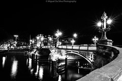 Blauwbrug bridge - Amsterdam (Miguel Da Silva Photography) Tags: bridge blauwbrug amsterdam netherlands holland amstel river centrum city cityscape night long exposure light nocturne street streetphotography streets travel water architecture dutch