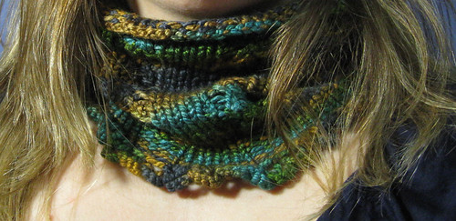 Lacey zig-zag cowl