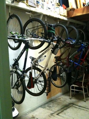 YHAネルソンの自転車倉庫
