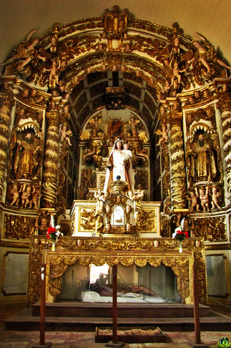 Altar central da Igreja do Carmo by Leo di Vinci