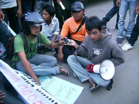 5282278014 b79aec609f Koordinator Aksi Keprihatinan UMTS: Sesudah Unjuk Rasa Kami Di Ajak Ber Tinju