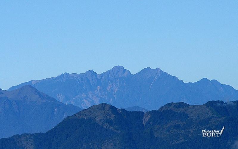 天氣相當好,可以遠遠瞧見玉山