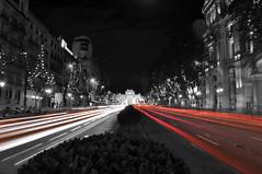 Destellos en Puerta de Alcala, Madrid (javimost) Tags: madrid bw espaa night luces spain ciudad urbana coches nocturno alcal puertaalcal destellos estelas