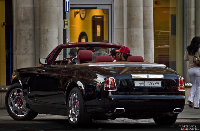 black london united kingdom harrods knightsbridge rolls phantom coupe royce qatar 2010 ??? drophead
