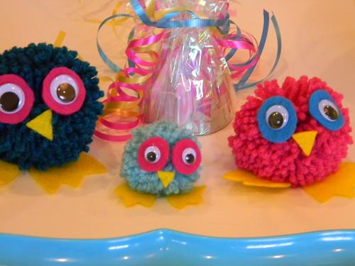 DIY pom-pom owls