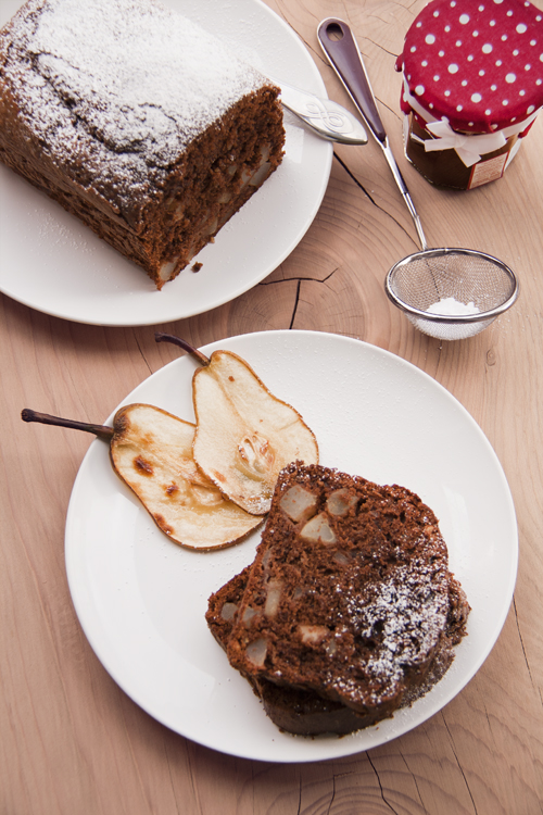 November Cake (pears, nuts, chocolate)