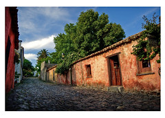 Colonia del Sacramento (omblod) Tags: street houses uruguay mono nikon cobblestone hdr coloniadelsacramento d80 omblod