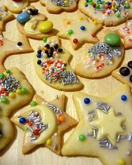 bunte Pltzchen - Kindertraum (SabineausL) Tags: christmas cookies weihnachten colorful cookie sweet chocolate tasty sugar delicious schokolade pltzchen bunt backen zucker lecker puderzucker streusel tastyfood ss zuckerstreusel sugarsprinkles zuckerperlen weihnachten2010 sabineausl buntepltzchen