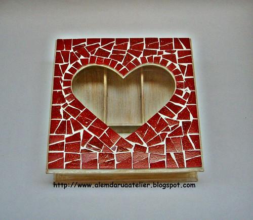 caixa em mosaico  - CORAÇÃO