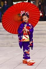 Kimono Girl -  (Einharch) Tags: wedding festival japan kids canon japanese tokyo traditional   kimono shichigosan kodomo meijijingu   meijishrine   550d  kidsfestival japanesetraditionalwedding  shinzenshiki kissx4 canonkissx4