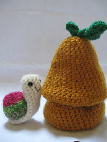 Little Snail and His Pear Home