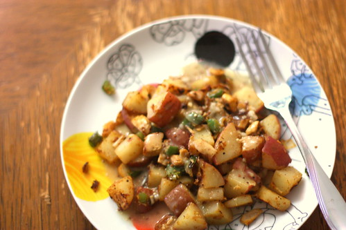 Turkey hash with mustard sauce.