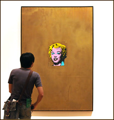 Marilyn ...  encounter of the MoMA kind (Dreamer7112) Tags: nyc newyorkcity people ny newyork art marilyn museum nikon manhattan candid marilynmonroe moma museumofmodernart midtown explore popart andywarhol warhol 1962 encounter momany d300 novaiorque museumwatchers museumwatcher goldmarilynmonroe nikond300