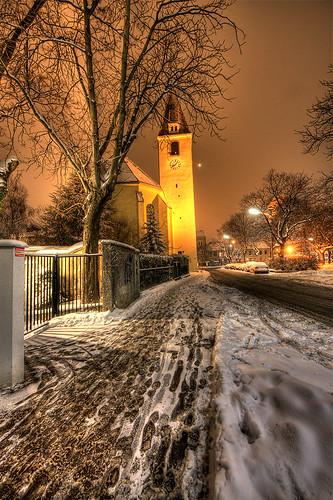 Kirche und Schnee