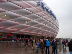 Allianz Arena, Mnchen (poity_uk) Tags: germany munich mnchen bayern bavaria football fussball stadium soccer fans stadion futebol voetbal calcio bundesliga allianzarena footballground fcb zuschauer fcbayernmnchen mnchen bayern fc allianz