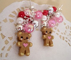 Pink christmas gingerbread bear earrings - Orecchini orsetto pan di zenzero Pink Christmas (Il Cassetto di Momo) Tags: bear christmas pink cute cookies beads yummy cookie heart sweet handmade gingerbread adorable rosa jewelry charm bijoux creazioni sugar chain polymerclay fimo dolce biscuit tiny kawaii sweets biscuits earrings lovely pendent cuori natale charms cuore originale bonbon stud studs biscotti dolci gingerbreadman pasticcini orso cernit christmasball zucchero pendente perline orsetti biscotto ciondoli accessori ciondolo orecchini pendenti bigiotteria originali pandizenzero cuoricino perni etsyitaliateam