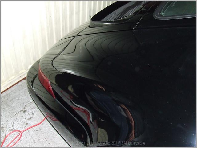Porsche 911 Carrera 4-59