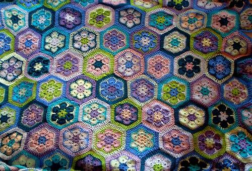 African Flower Blanket: hurray!