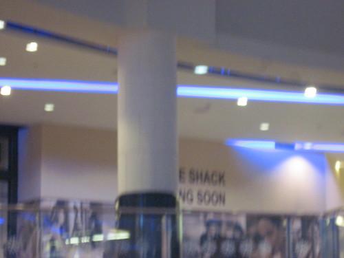 Dubai - Sign Says Shake Shack Coming Soon