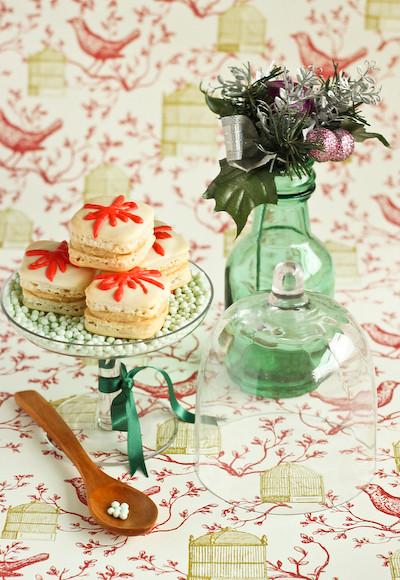 christmas_present_macarons-2