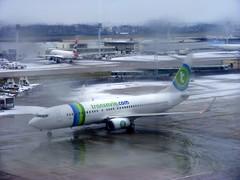 Transavia France Boeing 737-800 F-GZHE @ Paris Orly (slasher-fun) Tags: snow airport b737 aéroport boeing737800 boeing737 ory 738 b738 parisorly lfpo transaviafrance fgzhe