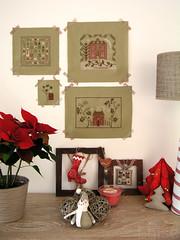 Des flocons sur la toile - Snowflakes (Lhise) Tags: christmas winter home crossstitch hiver nol maison pointdecroix showyourhouse blackbirddesigns jardinpriv