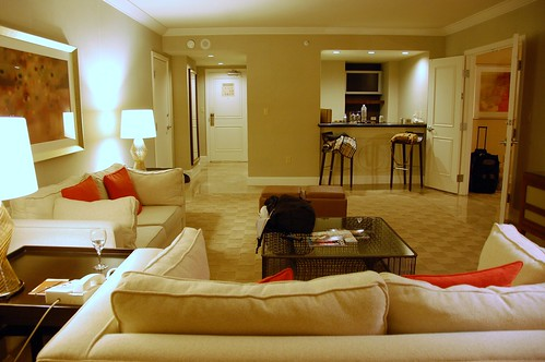 oxnard chat rooms View mandalay bay resort and  chat with a vegas  the standard deluxe rooms are spacious at about 550 square feet and come with a 42-inch flat-screen tv as.