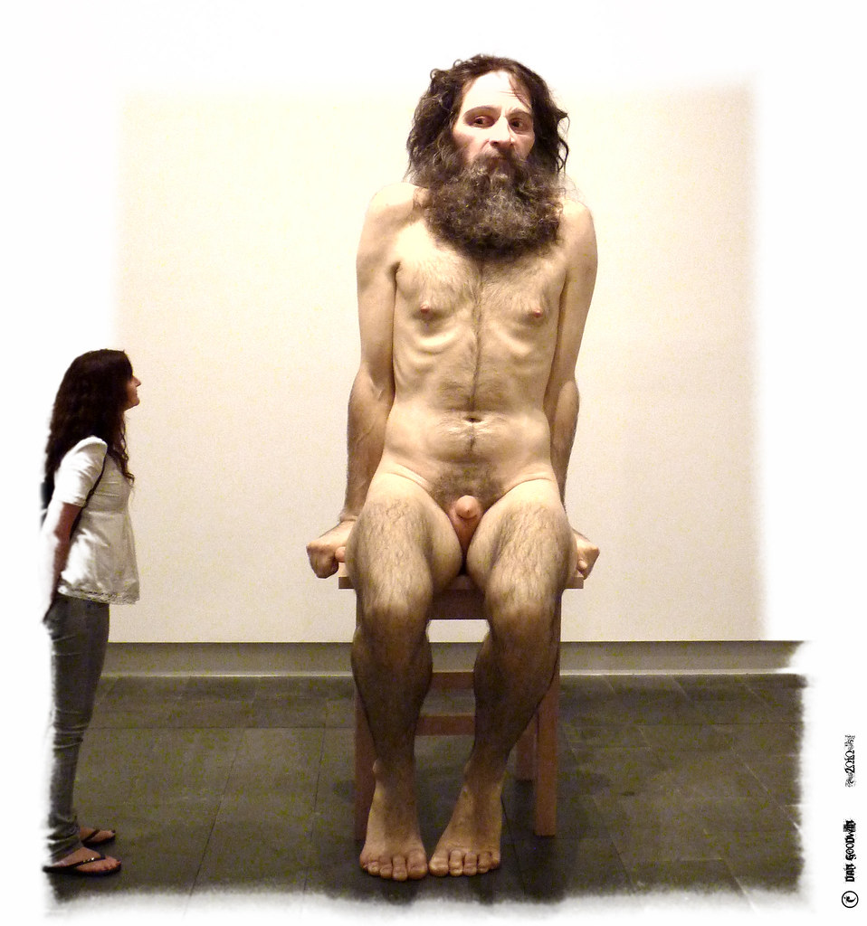 Ron Mueck vs PommeDan - Balloon