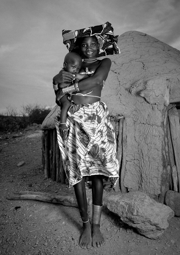 Tragedy, but so happy with her child - Angola