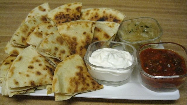 Quesadilla with Chicken, Gouda and Sauteed Onions
