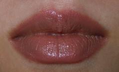 NYX Round Lipstick Creamy Beige (1)